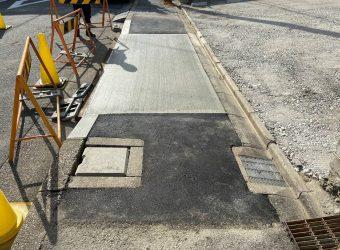 愛知県名古屋市 承認工事 乗入れ 歩道補強 舗装版撤去 ブロック設置 生コン打設 取合せ舗装
