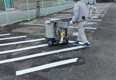 住宅駐車場 ライン引き工事